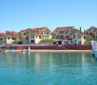 Marine Club & Esperanza